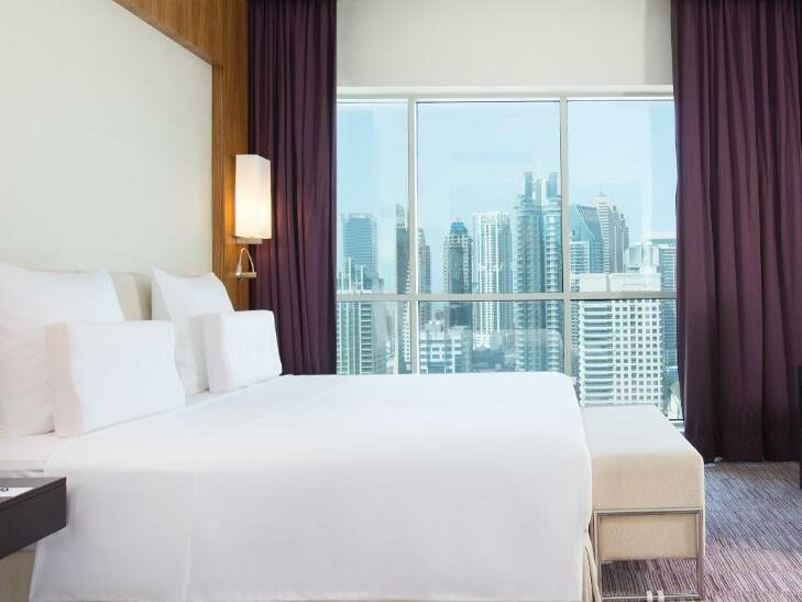 Pullman Jumeirah Lake Towers - Voordeelpakket Winterzon Vakantie Wereld Expo Dubai | Neptune Reizen - Reisbureau Izegem